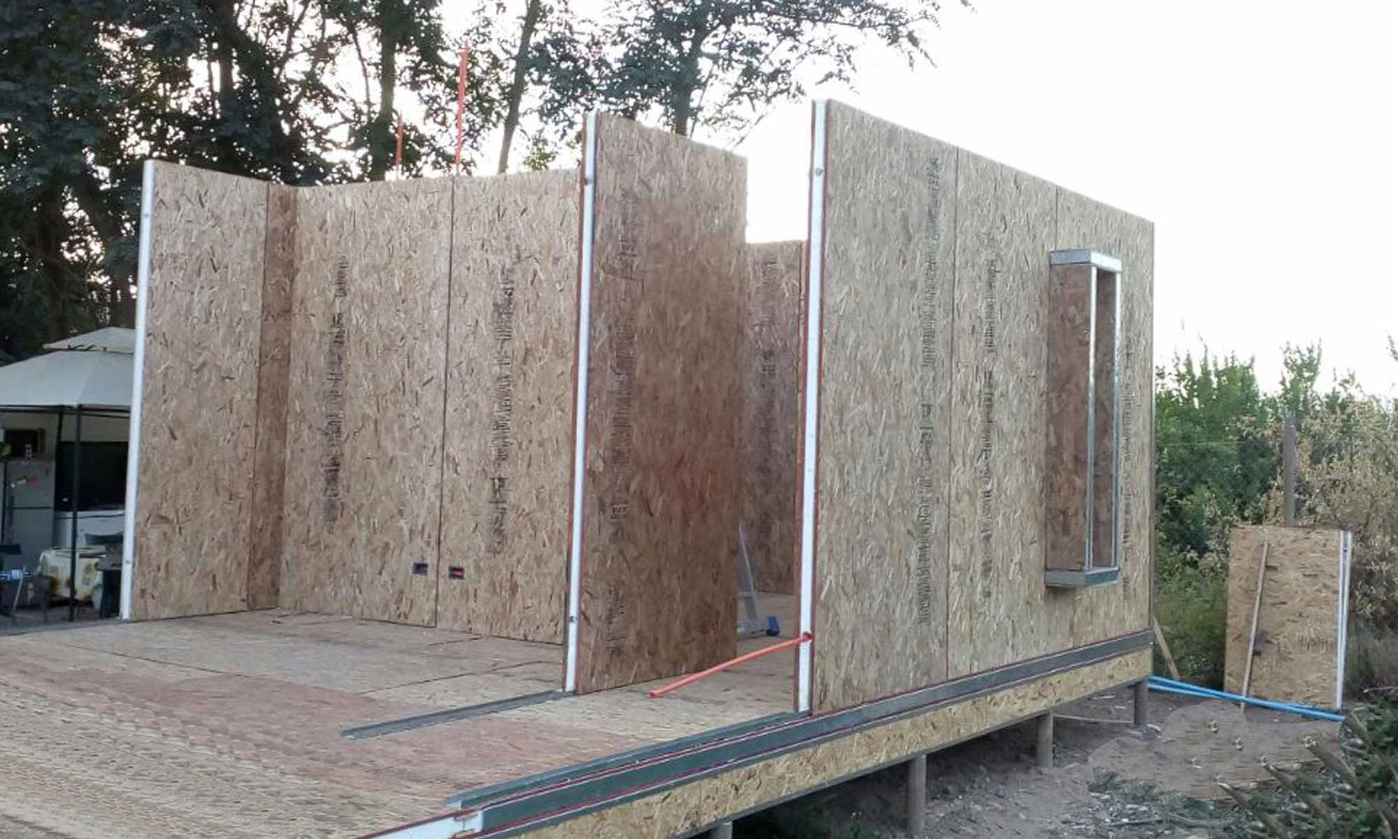 Casas Prefabricadas mediterráneas, energías solares, Con paneles sip, paneles solares, paneles fotovoltaicos. instalaciones construcción